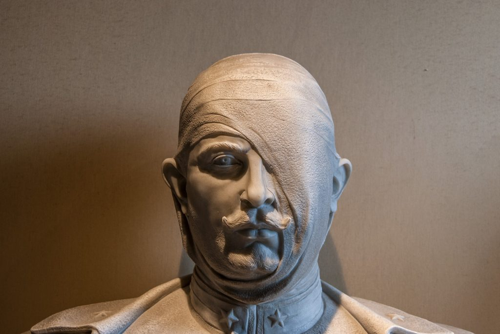 Bust-domenico-picchi-italy bandaging on head wounds
