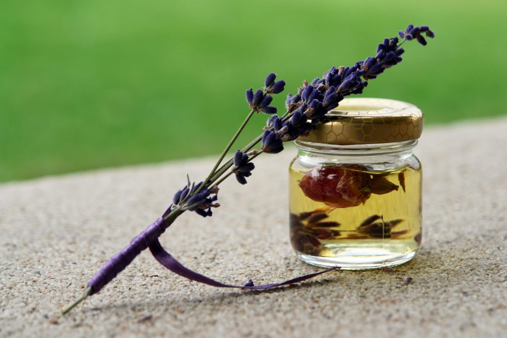Image of Essential oil, lavender twig--Lavender oil for blisters