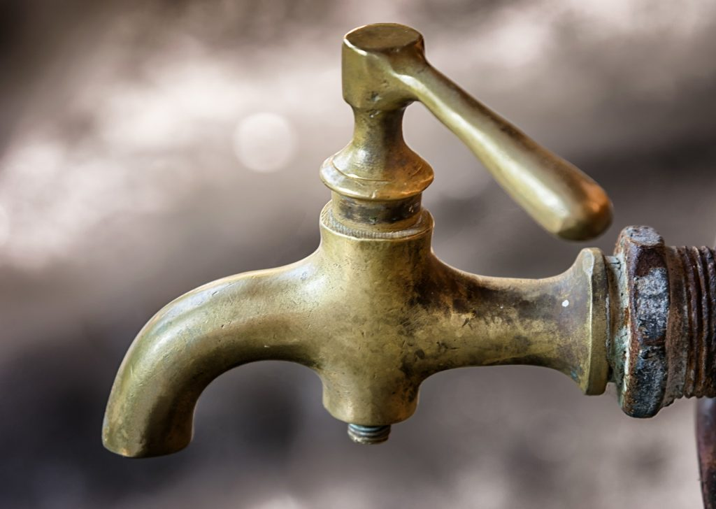 Image of a brass faucet (Tap)